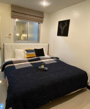 เช่าคอนโดรัชดา ห้วยขวาง : Zenith Place ( Low rise ) Condo for rent : 1 bedroom for 47 sqm. on 2nd floor.With fully furnished and electrical appliances.Just 600 m. to mrt Huakwang.Rental only for 13,500 / m.