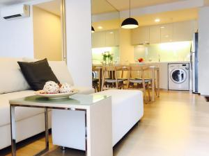 เช่าคอนโดสุขุมวิท อโศก ทองหล่อ : 1 Bedroom in Liv@49 condo near bts Thonglor
