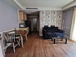 เช่าคอนโดรัชดา ห้วยขวาง : For Rent :City living condo 65 sq.m. 13,000