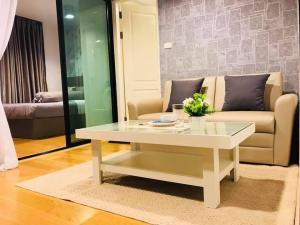 For RentCondoWongwianyai, Charoennakor : Condo for rent, Bangkok Feliz Sathorn-Taksin, 8th floor, Re63-0144.