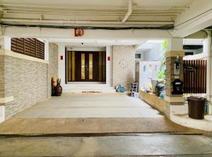 ขายทาวน์เฮ้าส์/ทาวน์โฮมพระราม 3 สาธุประดิษฐ์ : ทาวน์โฮม ม. Garden house ถนนนนทรี พระราม 3 เนื้อที่ 33 ตรว. 4 ชั้น ตกแต่งสวย พร้อมอยู่