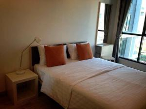 For RentCondoRama9, RCA, Petchaburi : For rent, Ideo Mobi Rama 9, 31 sq m, 1 bedroom, 1 bath, 24th floor, fully furnished, convenient MRT & Central Rama 9.