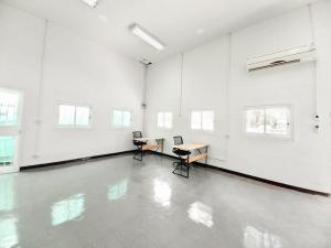 For RentOfficePinklao, Charansanitwong : Office for rent near Yanhee Hospital, near MRT