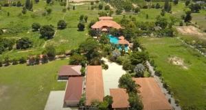ขายบ้านหัวหิน ประจวบคีรีขันธ์ : บ้าน 11 ห้องนอน พร้อมสระว่ายน้ำขนาดใหญ่