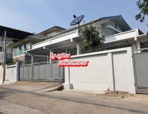 For RentHouseRatchadapisek, Huaikwang, Suttisan : 2 storey detached house for rent, 103 square wa., New, elegant, teak wood