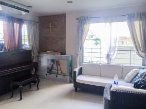 For RentHouseChiang Mai : World Club Land Chiangmai House for rent with 48 Sq.Wa 4 Bedrooms near Royal Park Rajapruek