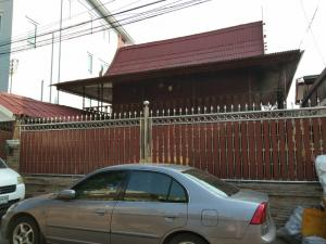 For SaleHousePinklao, Charansanitwong : Urgent sale, 2-storey wooden house, Thai style, with a balcony in Charan 65, area 52 sq m., Special price 7 million, near Tang Hua Seng, Pinklao and sky train.