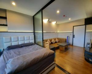 For SaleCondoPinklao, Charansanitwong : Condo for sale The Tree RIO fully furnished with tenant.