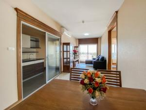 For SaleCondoChiang Mai : Sell Supalai Monte @ Viang , 64 Sqm Floor 9th 2 bedroom 3.4 MB Condo for Sell
