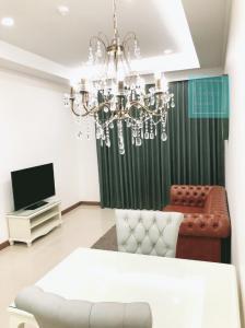 For RentCondoRatchathewi,Phayathai : For rent Supalai Elite Phayathai, size 60.89 sq m., 22nd floor, price 25,000 baht / month