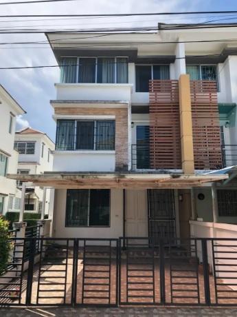For SaleTownhouseBang kae, Phetkasem : 3-storey townhouse for sale behind the corner of Town Plus (Petchkasem, Bang Khae)
