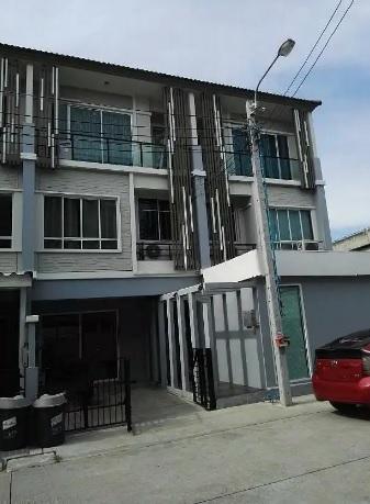 For SaleTownhouseChengwatana, Muangthong : 3-storey townhome for sale behind the corner of The Plant Citi, Chaengwattana, 2 adjacent