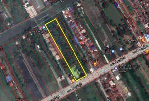 For SaleLandRamkhamhaeng,Min Buri, Romklao : Land for sale 6 rai, Rat-U-Thit Road. Minburi (attached to the owner)