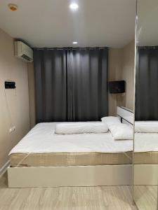 For RentCondoRatchadapisek, Huaikwang, Suttisan : For rent: The Privacy Ratchada - Sutthisan, near MRT Sutthisan, easy to find food, complete communal