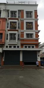 For RentShophouseNakhon Pathom, Phutthamonthon, Salaya : Commercial building for rent on Phutthamonthon Sai 4 Road, near Bank of Thailand. Bangkok