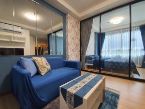 For RentCondoBang kae, Phetkasem : Own release There is a washing machine !!!! New room red label Just finished Decorated as if you were on your own, high floor, pool view 31.03 sqm.
