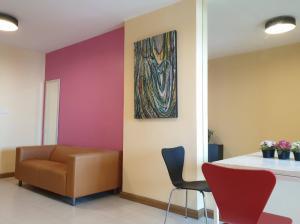 For RentCondoRamkhamhaeng, Hua Mak : Condo for rent, Supalai City Resort Ramkhamhaeng, 47 square meters, good location, price 9,000 baht (negotiable)