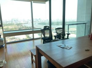 For SaleCondoSathorn, Narathiwat : Urgent sale, 2 bedroom the Breeze Naratiwas condo, near BTS Chong Nonsi