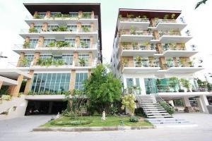 For SaleBusinesses for salePattanakan, Srinakarin : Apartment for sale Near Seacon Srinakarin