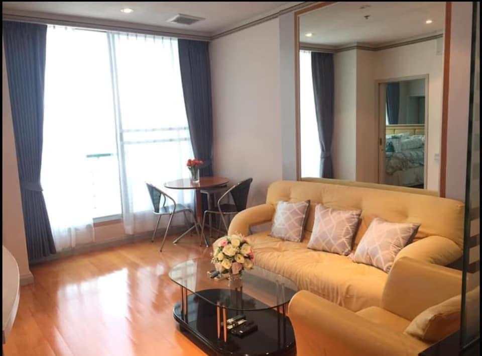 เช่าคอนโดสาทร นราธิวาส : Sathorn House Condo for rent : 1 bedroom for 54 sqm. on 26th floor.With fully furnished and electrical appliances.Just 100 m. to BTS Surasak.Rental only for 20,000 / m.
