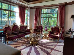 For RentHouseSukhumvit, Asoke, Thonglor : Rent a luxury single house Sansiri, the largest and most beautiful in the project.