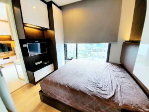 For RentCondoLadprao, Central Ladprao : For rent M Ladprao 32 sqm. Muji Minimal decoration, next to BTS and MRT, opposite to Central Ladprao, high floor, beautiful view.