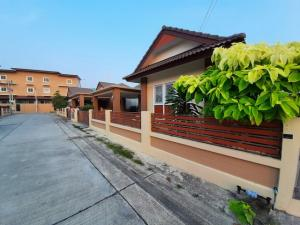 For SaleHouseRayong : Urgent sale, single house, 58 sq.w., Kairwong 9, Ban Chang, Soi Thetsaban 46, near Ban Chang municipality, Rayong