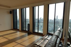 เช่าคอนโดวิทยุ ชิดลม หลังสวน : Rental /Selling: Noble Plernjit 3 bed + 1 Bed , 3 bath ,Floor 37 , 176 sqm, 3 Carparking lots , 2 Private lift