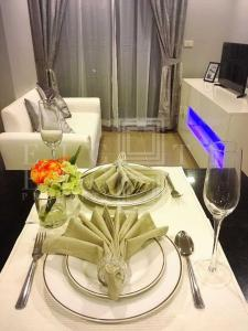 For RentCondoSukhumvit, Asoke, Thonglor : For Rent Mirage Sukhumvit 27 (35 sqm.)
