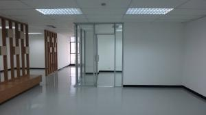 For RentOfficeRatchadapisek, Huaikwang, Suttisan : Office for rent CS TOWER 12th floor 122 sq m.