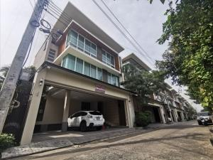 For SaleHouseSapankwai,Jatujak : 3-storey detached house in the heart of the city, near BTS Saphan Kwai station. New condition ready to move in