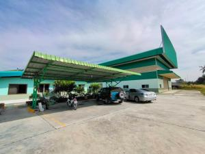 For SaleFactoryPattaya, Bangsaen, Chonburi : Selling factory / warehouse buildings with land area of 6-2-53 rai, usable area of 2,000 sq m, with transformers 400 KVA, Map Phai Subdistrict, Ban Bueng District, selling price 35 million baht.