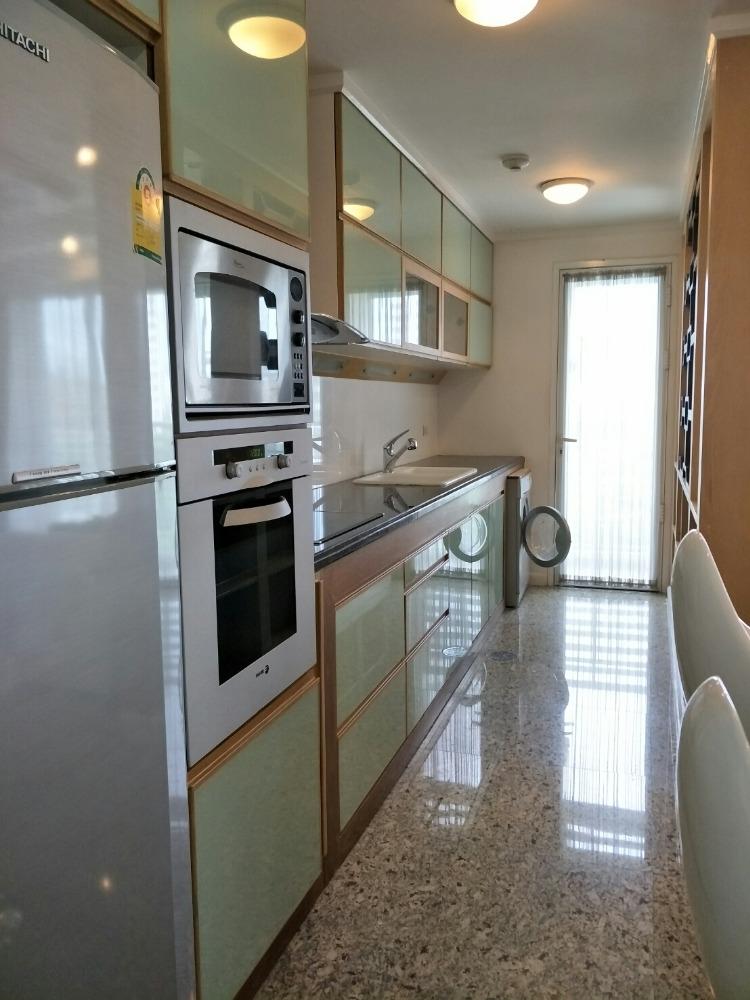 ขายคอนโดสุขุมวิท อโศก ทองหล่อ : Condo near BTS Ekkamai for 550 m. just finished renovate for Sale : 2 bedrooms 1 bathroom for 102 sqm. North facing on 8th floor. With fully furnished and electrical appliances.Sale only for 14 MB.