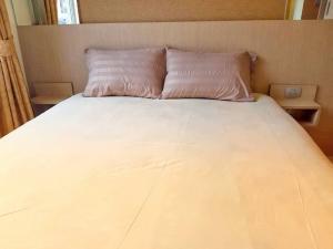 For RentCondoPattaya, Bangsaen, Chonburi : Room for rent Condo Paradise Park Jomtien near Maket and beach