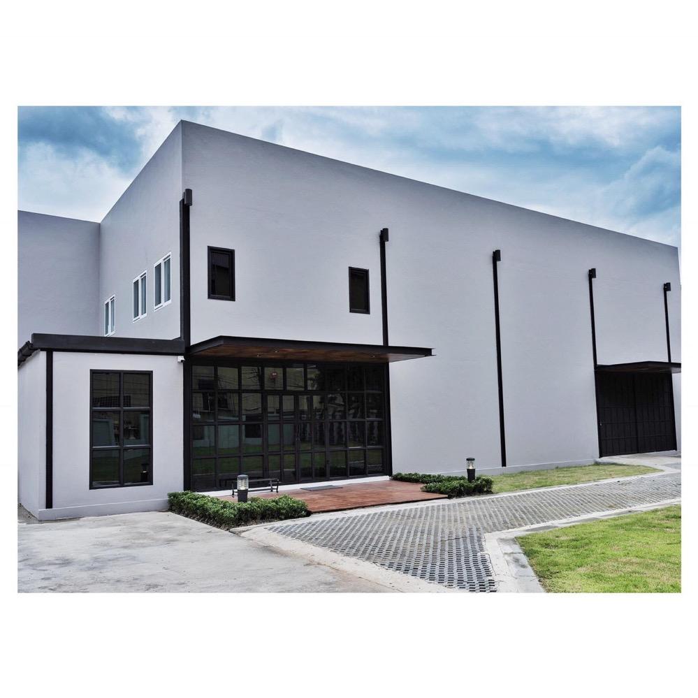 For RentWarehouseRatchadapisek, Huaikwang, Suttisan : Rent a new warehouse with home office, area 570 sq.wa., Soi Soonvijai 8, near Near Bangkok Hospital