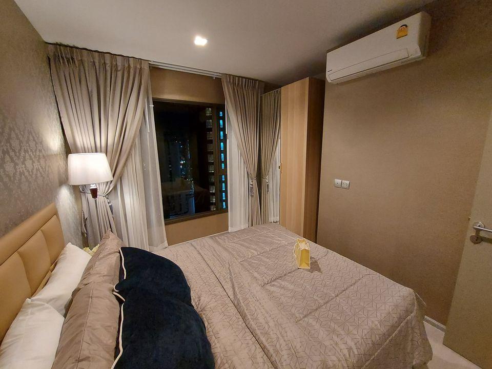 เช่าคอนโดพระราม 9 เพชรบุรีตัดใหม่ : ให้เช่า คอนโด ไลฟ์ อโศก พระราม 9 (Condo Life Asoke - Rama 9) - 1 ห้องนอน 1 ห้องน้ำ - ขนาด 32 ตรม.  - ชั้น 25  ราคาเช่า 23,000 บาท/เดือน (รวมค่าส่วนกลาง) สัญญาเช่าขั้นต่ำ 1 ปี  (มัดจำ 2 เดือน ล่วงหน้า 1 เดือน)  เฟอร์นิเจอ
