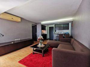 For RentCondoRatchadapisek, Huaikwang, Suttisan : Condo for rent Huai Khwang Family Park 59 sq m., Ready, near Mrt Sutthisan