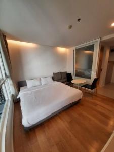เช่าคอนโดนานา : ให้เช่า 15 Sukhumvit Residences (15 สุขุมวิท เรสซิเด็นซ์) ขนาด 24  ตรม. 1 ห้องนอน ชั้น 10  (ZC309)