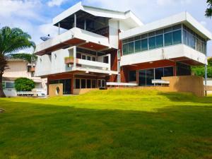 For RentHousePinklao, Charansanitwong : 2 houses for rent 1 Rai Bangkok Noi