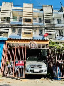 For SaleShophouseRangsit, Patumtani : 3-storey commercial building for sale and a half and a half in front of the house with a children's garden opposite Nava Nakorn, convenient transportation, near Klong Luang market.