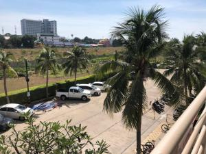 For RentCondoPattaya, Bangsaen, Chonburi : JOMTIEN BEACH CONDOMINIUM Pattaya ( Rim Had Jomtien condominium ) for rent