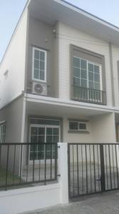 เช่าทาวน์เฮ้าส์/ทาวน์โฮมราษฎร์บูรณะ สุขสวัสดิ์ : ให้เช่าบ้านใหม่ถูกมาก ทาวน์โฮม  คิว ดิสทริค สุขสวัสดิ์-วงแหวนพระราม3 20 ตรว. 14,000 บ้านริมมีสานมหญ้าในบ้าน