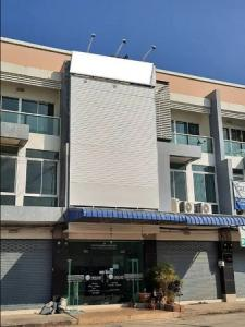 For SaleShophouseChiang Mai, Chiang Rai : 3-storey commercial building for sale, Bit Point 4 project Good location, next to Thai Watsadu, Chiang Mai, next to the main road, 10 lanes.