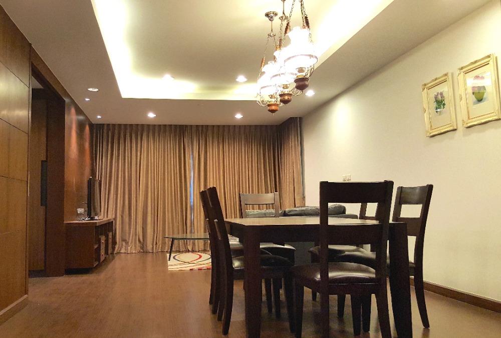 For RentCondoSathorn, Narathiwat : 1905-A (AT)😊 For RENT 3 bedroom for rent🚄Near BTS Saladaeng only 4 minutes🏢Sathorn Garden Sathorn Garden🔔Area:163.99sq.m.💲Rent:70,000.-baht📞:099-5919653✅LineID:@sureresidence
