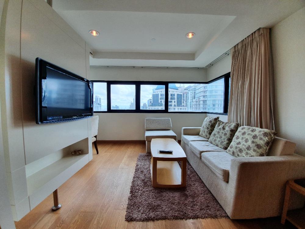 For RentCondoSathorn, Narathiwat : 1907-A (AT)😊 For RENT 1 bedroom for rent🚄Near BTS Saladaeng only 4 minutes🏢Sathorn Garden Sathorn Garden🔔Area:78.70sq.m.💲Rent:28,000.-baht📞:099-5919653✅LineID:@sureresidence