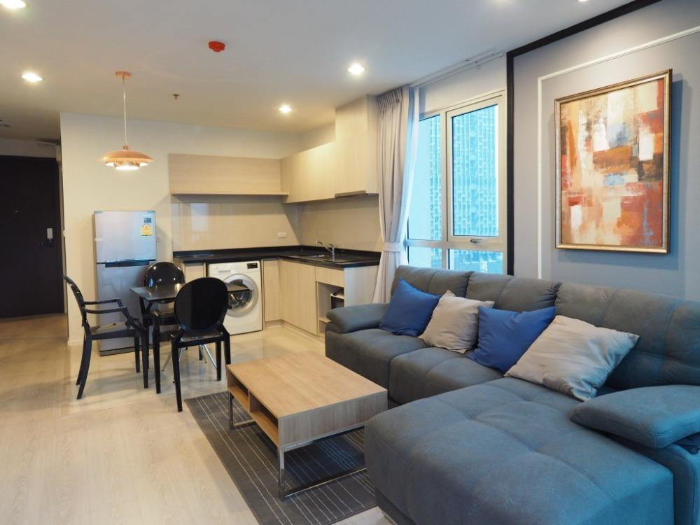 For RentCondoSathorn, Narathiwat : 1916-A (AT) 😊 For RENT 2 bedroom for rent 🚄 near BTS Surasak 🏢 Rhythm. Sathorn - Narathiwas Rhythm Sathorn-Narathiwas🔔 Area: 60.86 sq.m. 💲 Rent: 40,000.- Baht 📞: 099-5919653✅LineID: @sureresidence