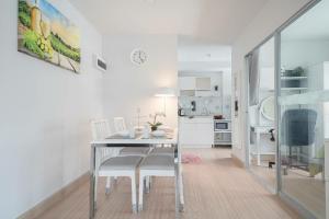 For RentCondoBangna, Lasalle, Bearing : For rent Deco Condo 2 bedrooms, 5th floor, Sukhumvit 70/5, near BTS Bearing, 45 sqm.