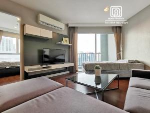 For RentCondoRama9, RCA, Petchaburi : (284)Belle Grand condominium: Minimum rental 1 month / warranty 1 month / free internet / free cleaning