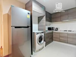 For RentCondoRama9, RCA, Petchaburi : Belle Grand condominium: Minimum rental 1 month / warranty 1 month / free internet / free cleaning