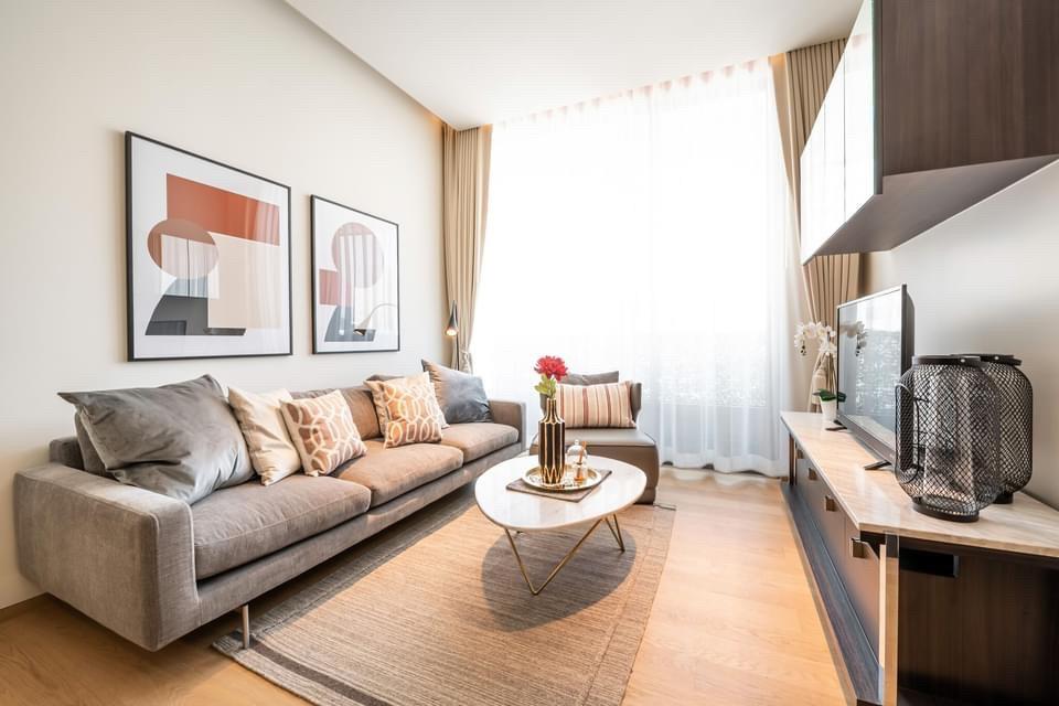For RentCondoSilom, Saladaeng, Bangrak : +++ Urgent rent +++ Beautiful room --- Saladaeng one * 1 bedroom 50.63 sq m, fully furnished, ready to move in